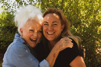 6 Tips to Naturally Reduce Symptoms of Menopause